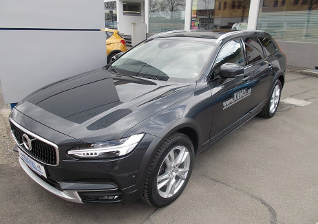 Volvo V90 Cross Country D4 AWD Geartronic bei BM || Autohaus Kienzl GmbH in
