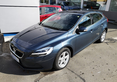 Volvo V40 T2 Kinetic Geartronic bei BM || Autohaus Kienzl GmbH in