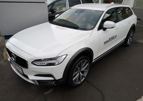 Volvo V90 Cross Country Plus D4 2.0TD 190PS AWD Geartronic Vorführwagen bei BM || Autohaus Kienzl GmbH in