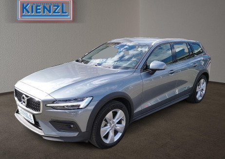 Volvo V60 Cross Country D4 AWD Cross Country Pro Geartronic bei BM || Autohaus Kienzl GmbH in
