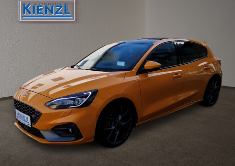 Ford Focus 2,3 EcoBoost ST 280 ps bei BM || Autohaus Kienzl GmbH in